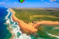 Antena de la costa de la bahía de Sodwana fotos de archivo
