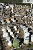 Antena de la refinería de petróleo. Imágenes de archivo libres de regalías
