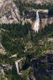 Antena de Nevada Falls y de la caída vernal Foto de archivo