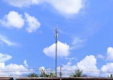 Antena de radio de la telecomunicación imágenes de archivo libres de regalías