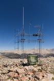 Antena de radio superior de la montaña Foto de archivo libre de regalías