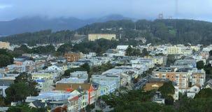 Antena de San Francisco, Califórnia com névoa 4K vídeos de arquivo