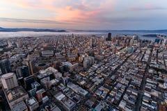 Antena de San Francisco en la puesta del sol Imagenes de archivo