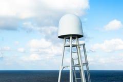 Antena de satélite del cargo una nave Imagenes de archivo