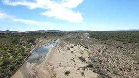 Antena de un lavado septentrional del desierto de Arizona almacen de video