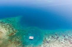 Antena del catamarán y del filón Fotos de archivo