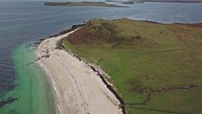 Antena del Clagain Coral Beach en la isla de Skye - Escocia almacen de video