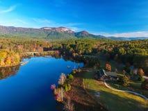 Antena del parque de estado de la roca de la tabla cerca de Greenville, Carolina del Sur, foto de archivo