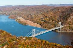 Antena del puente de la montaña del oso sobre el río de Hudson Imágenes de archivo libres de regalías