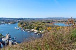 Antena del río Misisipi y del puerto deportivo Foto de archivo