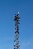 Antena del teléfono en fondo del cielo Fotografía de archivo libre de regalías