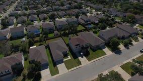 Antena do acercamento do dia de San Antonio Texas Neighborhood vídeos de arquivo