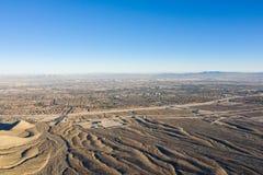 Antena do deserto e da urbanização em Las Vegas fotografia de stock royalty free