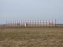 Antena do glidepath da pista de decolagem do aeroporto Imagens de Stock Royalty Free