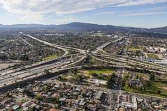 Antena do intercâmbio da autoestrada do Golden State 5 e 118 em Los Angeles Fotografia de Stock Royalty Free