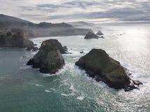 Antena do litoral áspero de Mendocino em Califórnia do norte fotos de stock