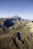 A antena do Monte Quénia, África e neva em janeiro, a segunda montanha a mais alta em 17.058 pés ou 5199 medidores Imagens de Stock Royalty Free