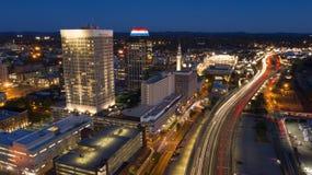 Antena do tráfego das horas de ponta do início da noite de Springfield Massachusetts imagem de stock