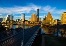 Antena 2016 dramática da skyline de Austin Texas do por do sol sobre o congresso Imagens de Stock Royalty Free