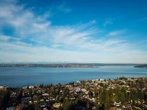 Antena krajobrazowy widok Jeziorny Waszyngton, w centrum Seattle zdjęcia royalty free