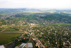 Antena krajobrazowy widok obszar wiejski pod niebieskim niebem. Moldova Obrazy Stock