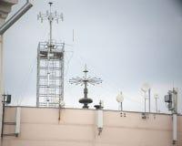 Antena no telhado Imagens de Stock
