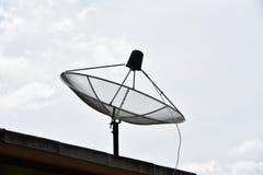 Antena parabólica de la TV Fotos de archivo