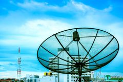Antena parabólica e nimbus Imagens de Stock Royalty Free