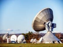 Antena parabólica - telescópio de rádio Fotografia de Stock