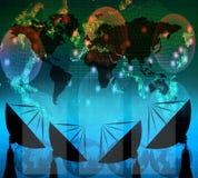 Antena parabólica y datos digitales sobre color azul Foto de archivo libre de regalías
