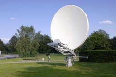Antena retra parabólica Imagen de archivo libre de regalías