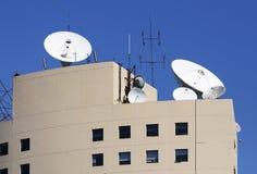 Antena satélite de comunicação Imagens de Stock Royalty Free