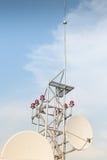 Antena satélite no telhado Imagem de Stock Royalty Free