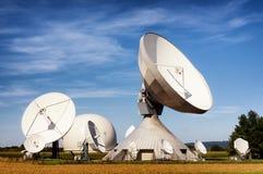 Antena satelitarna - radiowy teleskop Obrazy Royalty Free