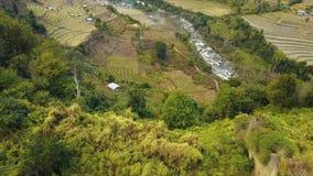 Antena strzał krajobraz w Wschodnim Bhutan zbiory wideo