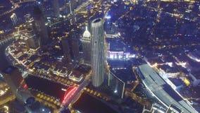 Antena strzelał nowożytni budynki i miastowy pejzaż miejski przy nocą, Tianjin, Chiny zdjęcie wideo