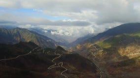 Antena strzelał sceneria w Zachodnim Sichuan, Sichuan, Chiny zdjęcie wideo
