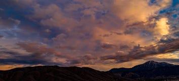Antena, trutnia wschód słońca przed burzą widok zdjęcia stock