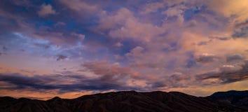 Antena, trutnia wschód słońca przed burzą widok obraz royalty free