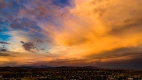 Antena, trutnia wschód słońca przed burzą widok zdjęcie stock
