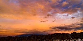 Antena, trutnia wschód słońca przed burzą widok fotografia stock