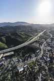 Antena vertical de Thousand Oaks y de 101 autopistas sin peaje Imagen de archivo libre de regalías