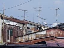 Antena vieja en el tejado de la casa de Melaka Foto de archivo libre de regalías