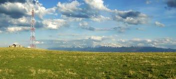 Antena y montañas Imagen de archivo