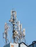 Antenas de comunicaciones celulares Imagen de archivo