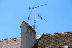 Antenas do mundo Céu azul e antena fotografia de stock royalty free