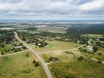 Antenn av den lilla lantliga staden av Sommerville, Texas Next i vad Arkivfoto