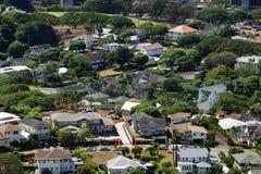 Antenn av den Manoa staden med huset under konstruktion Arkivfoto