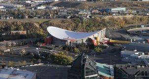 Antenn av den Saddledome arenan i Calgary, Kanada 4K stock video