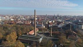 Antenn av det Halle Saale 4K surrskottet av den gamla fabrikssaltdammet lager videofilmer